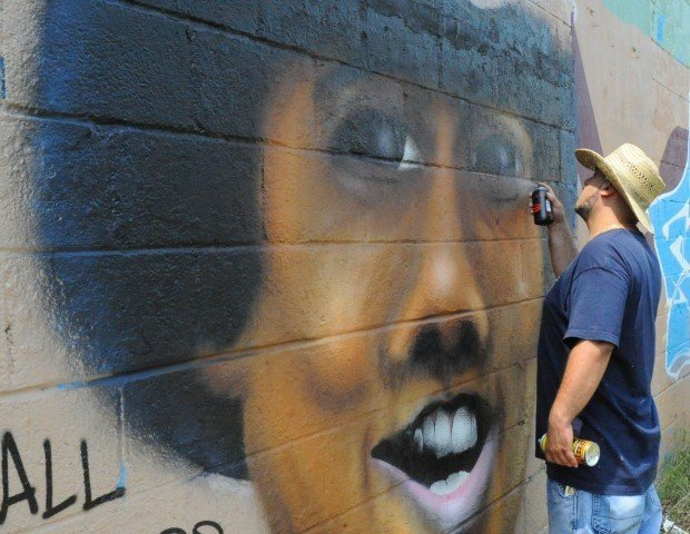 Graffiti art preserves jackson legacy gary news for Jackson 5 mural gary indiana