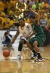 Valparaiso's Lavonte Dority is guarded by Wright State's Reggie Arceneaux during Tuesday's Horizon League Tournament championship.
