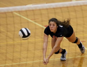 Munster volleyball player Lexi Pitsas picks Northwestern three years before graduation