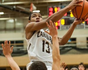 No. 3 Mount Carmel drops regular-season finale to St. Viator