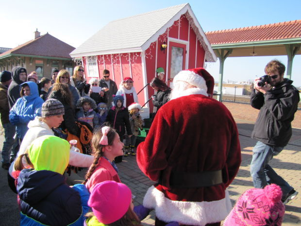 Santa visits chalet in la porte laporte county news for Laporte parade 2016