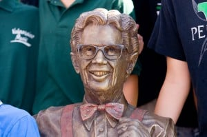 Gallery: Orville Redenbacher statue unveiled