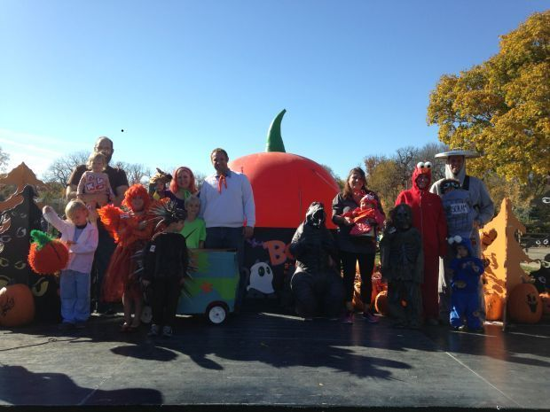 OFFBEAT with PHIL POTEMPA: Retro Round 2 of 2014 Brookfield Zoo costume contest