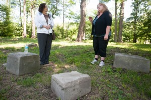 Women look to help cemetery rest in peace