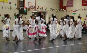 Cal City school marks Cinco de Mayo