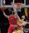 Lakers hold off Bulls for 5th straight win  