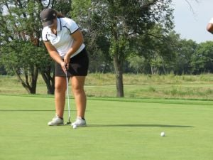 TUESDAY'S ILLINOIS PREP ROUNDUP: Nicpon leads Marian golfers