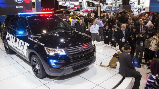 Chicago Ford plant to build new hybrid police vehicle