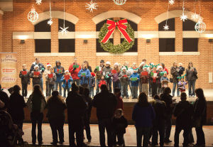 Holiday spirit kicks off in downtown Valparaiso
