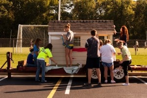 Chesterton students create floats for parade, charity