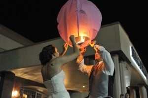 Messages in the sky: Paper lanterns light up a reception