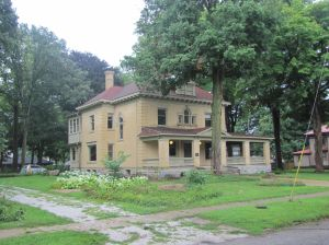 Former Rumely House open for tour