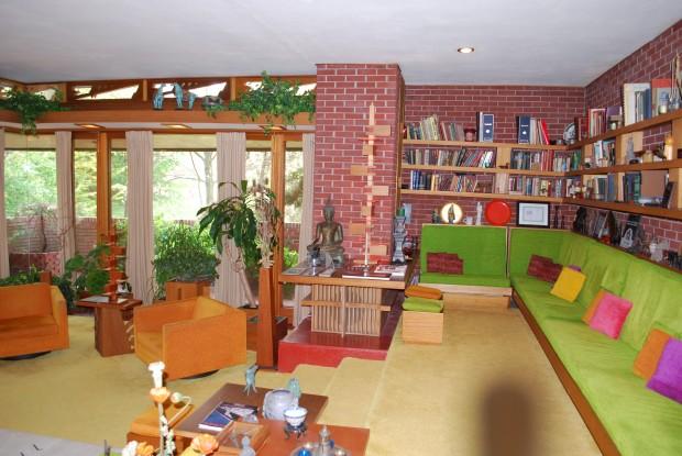 Distant Horizons: Tranquil Samara House