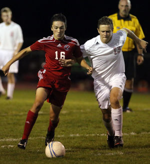 Andrean scores two goals in two-minute span to upend No. 7 Munster in boys soccer
