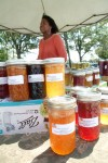 Farmers, cooks, artists draw customers to Portage event