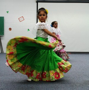Chicago Heights library celebrates Cinco de Mayo