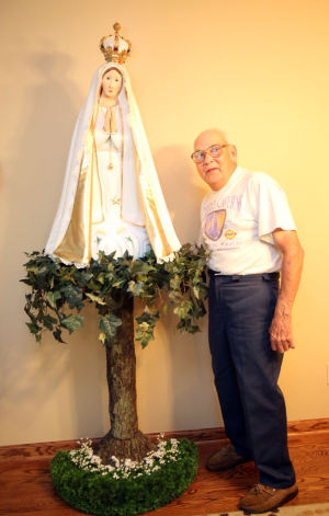 Hebron man carves statue of the Blessed Mother