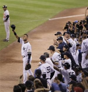 The Final Farewell: Ovation builds for Jeter