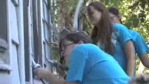 Church youth groups volunteer in Valparaiso