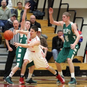 Munster's Hackett picks UIC for men's basketball