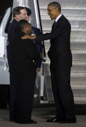 Obama begins Chicago trip at Gary airport