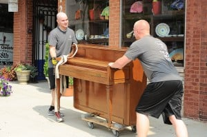 Keys to the City strikes chord in downtown Valparaiso