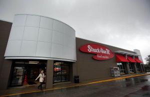 Best Grocery Store: Strack & Van Til