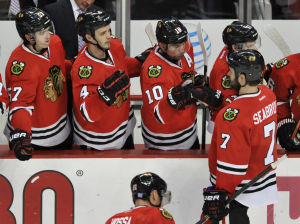 Blackhawks top Sens 2-1 behind rookie Darling