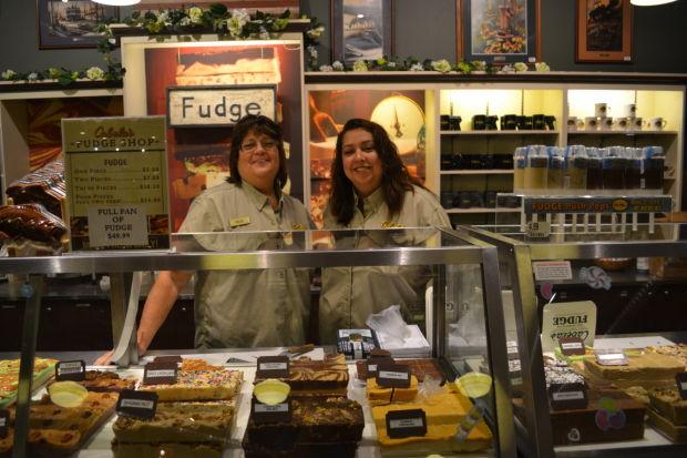 'Fudge Queens' sweetening up Cabela's