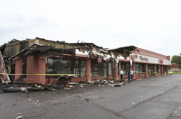 Blaze damages Valpo businesses
