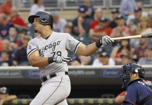 Abreu hits 30th HR as Sox beat Twins