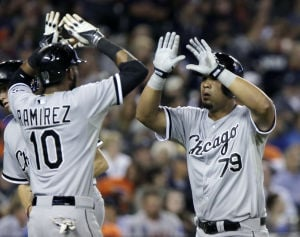 Sox use big inning to crush Tigers