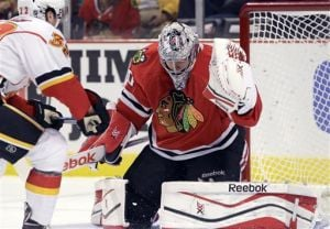 Hiller, Flames stymie the Blackhawks