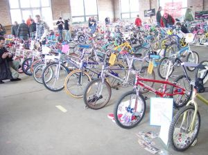 Bicycle show vendors