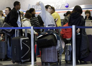 Foul weather threatens to snarl holiday travel