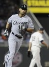Peavy, Rios lift White Sox over Twins