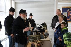 Civil War re-enactors offer glimpse at history