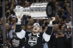 LA Kings win the Cup on Martinez's double-OT goal