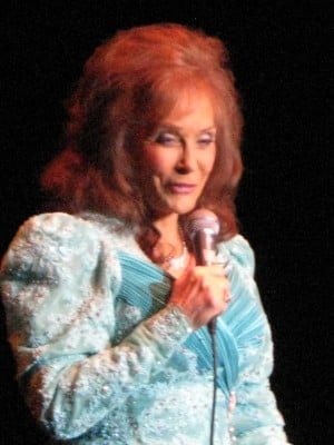 OFFBEAT: Loretta Lynn's stage presence still commanding at Drury Lane