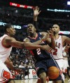 Rose, Bulls pull away to beat Hawks
