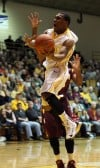 VU's LaVonte Dority drives for a layup