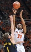 Illinois holds off Michigan charge