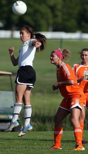 Plainfield East shuts out Illiana Christian in Class 2A Rich East Regional soccer final