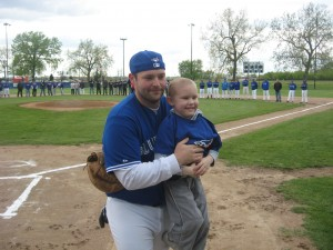 Adult baseball league honors founder, holds benefit for 4-year-old