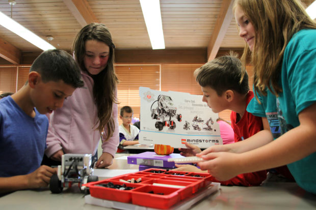 Ridge View fifth graders use Lego Robotics in classroom