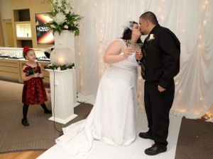 'Spirit of love' part of Valentine's Day nuptials at Albert's