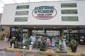 Alsip Home & Nursery Set to Thank Customers