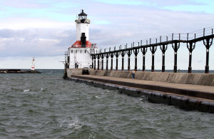 Michigan City's lighthouse undergoing renovations