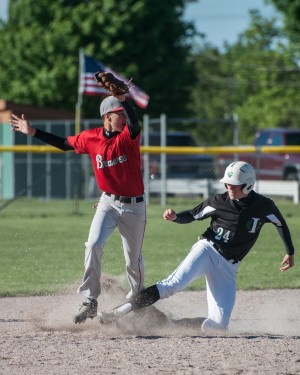 Breaks don't go Illiana's way in regional loss