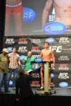 Elkins on weight for UFC 146